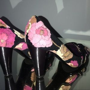 Missoni Shoes - Vintage Missoni heel velvet floral patent 7.5 38.5
